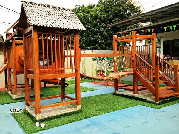 21-kids-backyard-playground