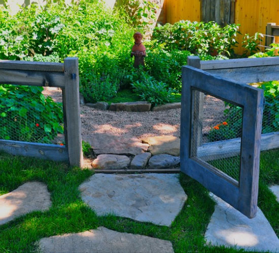 27 DIY Cheap Fence Ideas For Your Garden, Privacy, Or