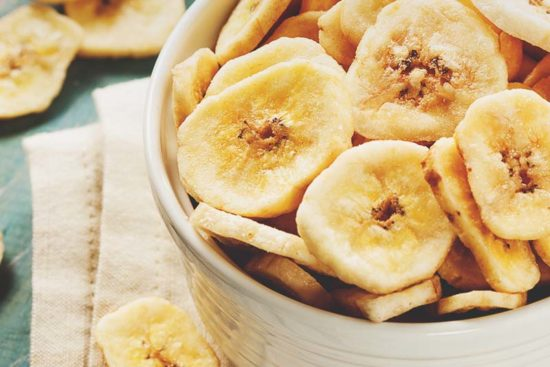 5 Ways to Dehydrate Bananas (and 4 Delicious Recipes to Use Them)