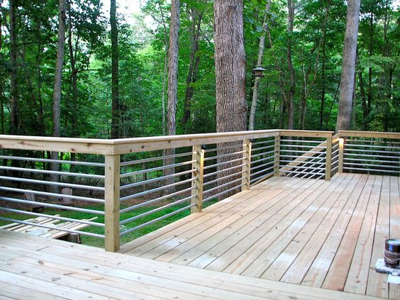 This Deck Railing Idea Is Unique And Should Be Economical As Well It Does Not Contain A Tutorial But Hopefully You Could Use The Picture Inspiration
