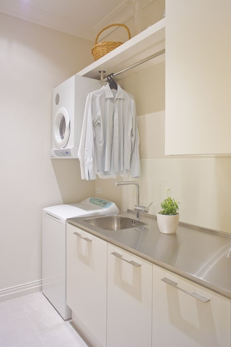 This Laundry Room Layout Is So Cool In My Opinion You Have Your Washer On The Floor And Counter E For Folding Clothes