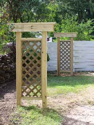 wooden trellis clothesline ideas