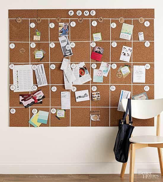 corkboard DIY calendar