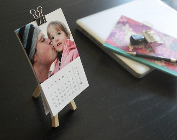 Desk DIY calendar