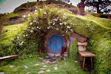 23 Unique And Functional Underground Houses That Will