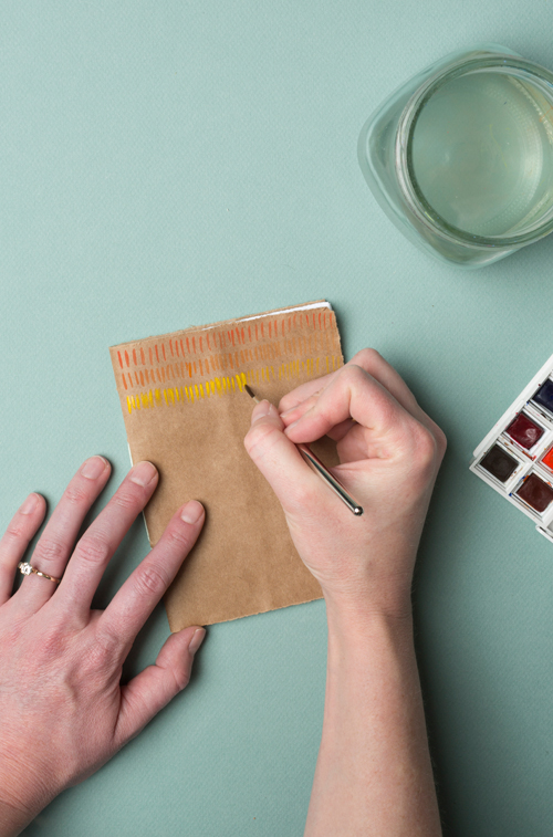 Paint a DIY journal