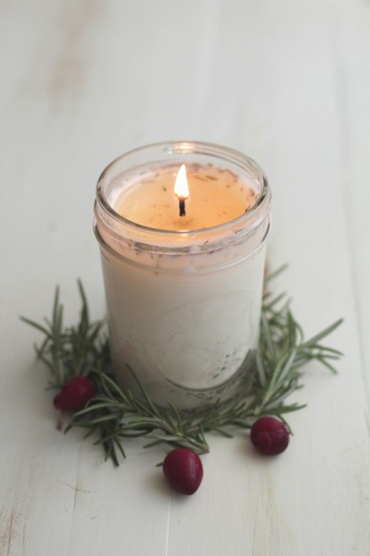 28 Heartwarming DIY Homemade Candles That Will Make You Happy