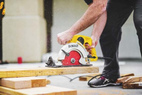 8 Best Miter Saw Reviews: Essential Tools for Carpentry Projects