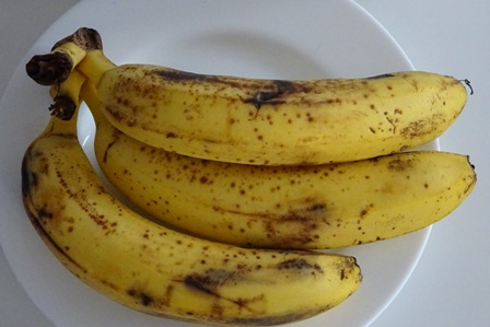 Shine Your Shoes with Banana Skin