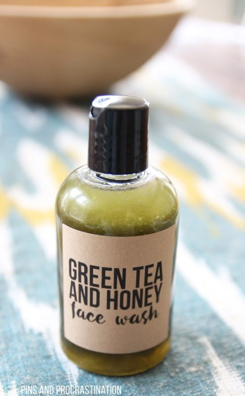This face wash is anti-inflammatory and is perfect for sensitive skin. Green tea is a wonderful ingredient that your skin loves! So treat yourself!