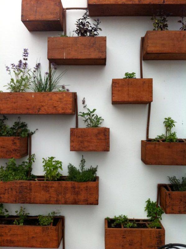 54 Stunning Outdoor Indoor Vertical Garden Ideas To Brighten Up