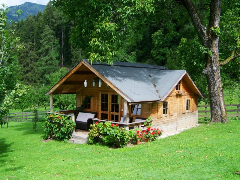 7 Practical Ideas For Self Sustaining Homes You Can Actually Do
