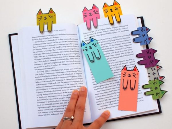 42 Chic and Playful DIY Bookmarks to Mark the Spot