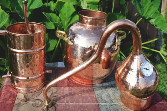 10 DIY Moonshine Still Plans (and 6 Moonshine Recipes to Try)