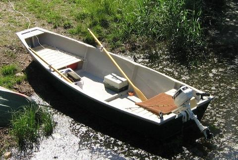 This is another cost-effective option for a fishing boat. However, there's no guesswork on this one. The plans are laid out and easy to read.