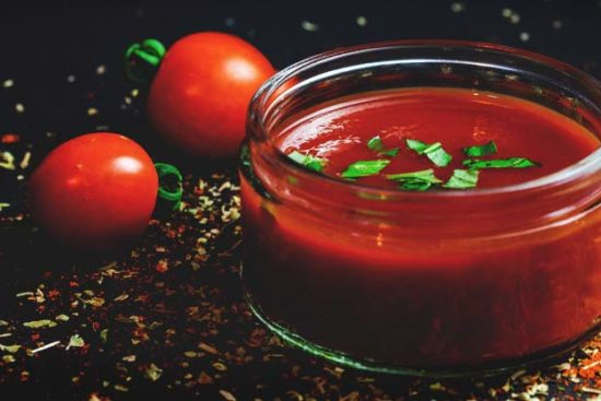 How to Make and Preserve Homemade Tomato Sauce That Only Takes 8 Steps