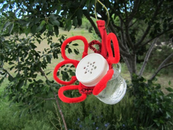 shaker hummingbird feeder