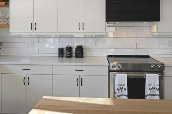 How to Refinish Your Kitchen Cabinets and Give It an Instant New Look