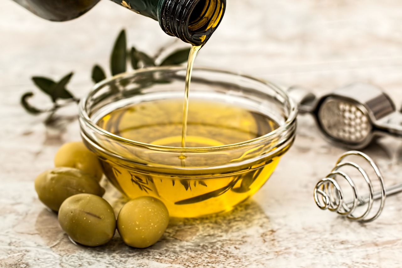 olive oil for car cleaning hacks