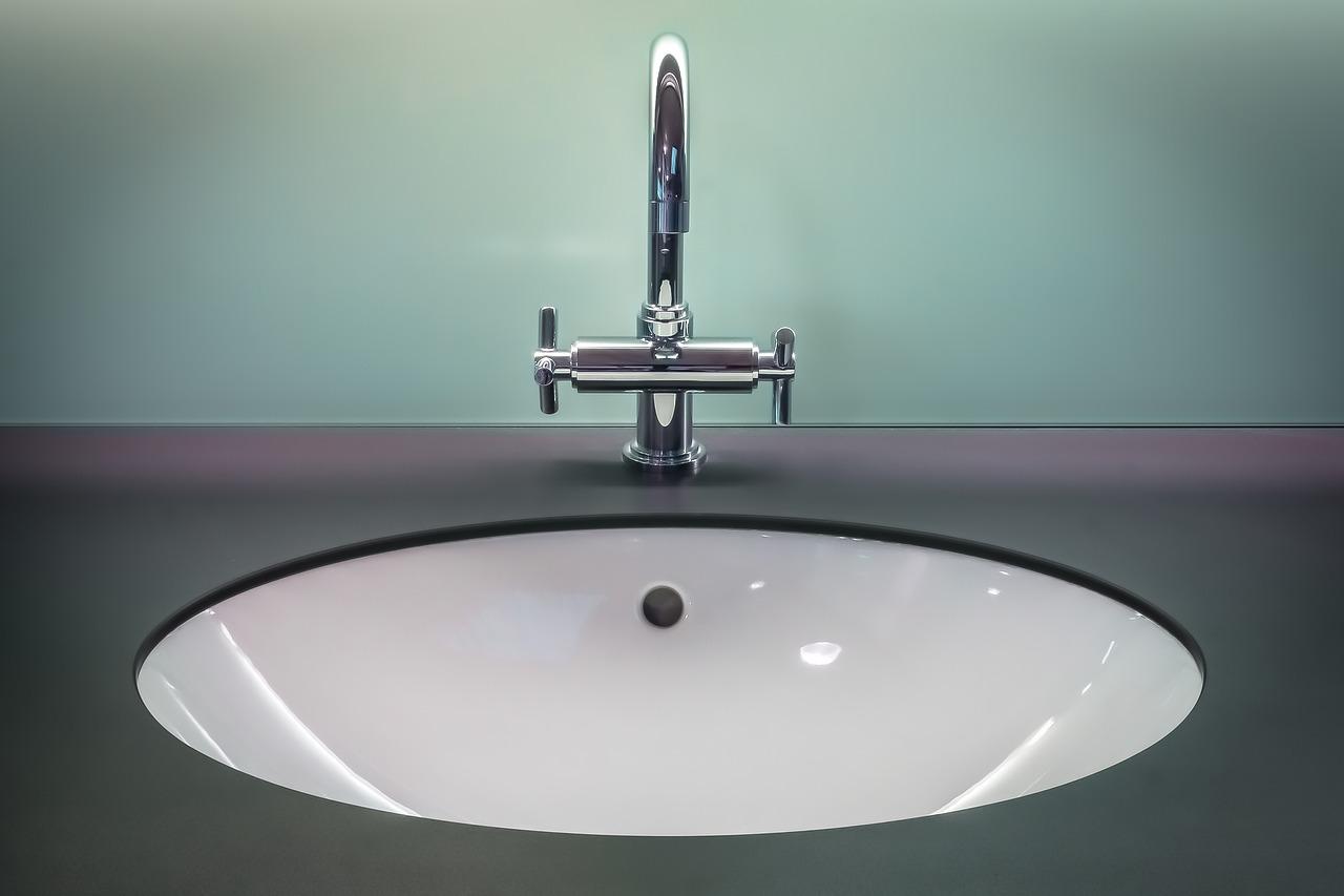 bathroom cleaning tricks