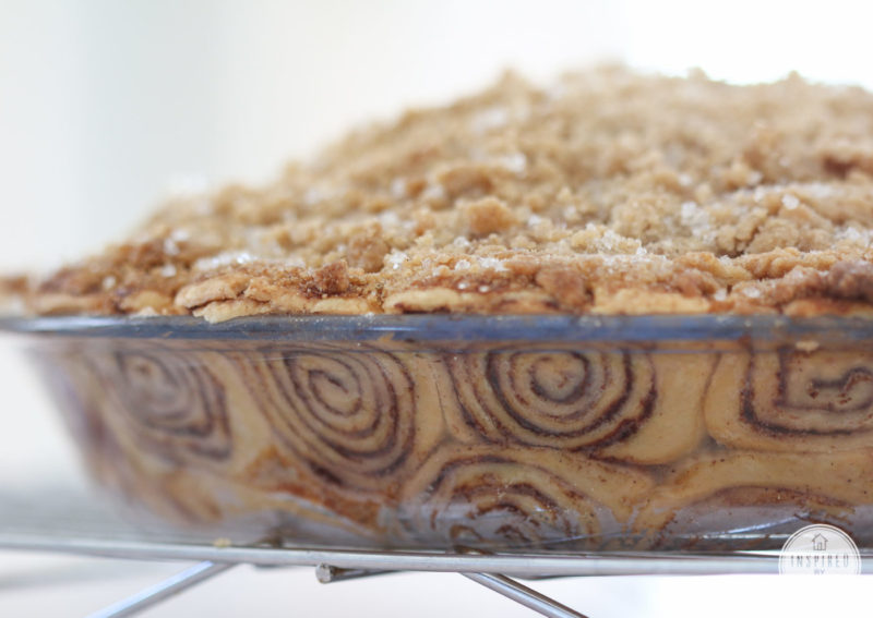 cinnamon-roll-pie-crust