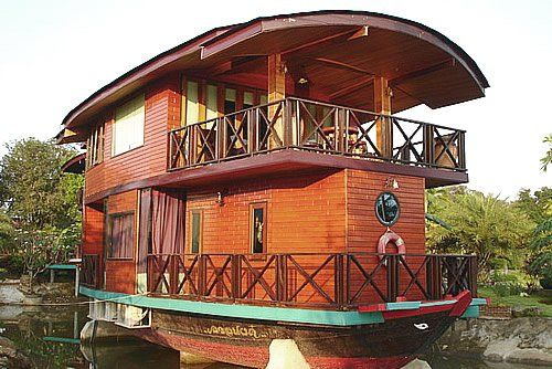18 Houseboat Ideas for Relaxed Days Spent on the Water