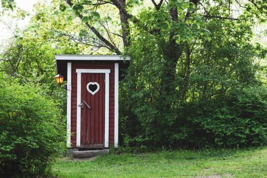 19 Practical Outhouse Plans for Your Off-Grid Homestead