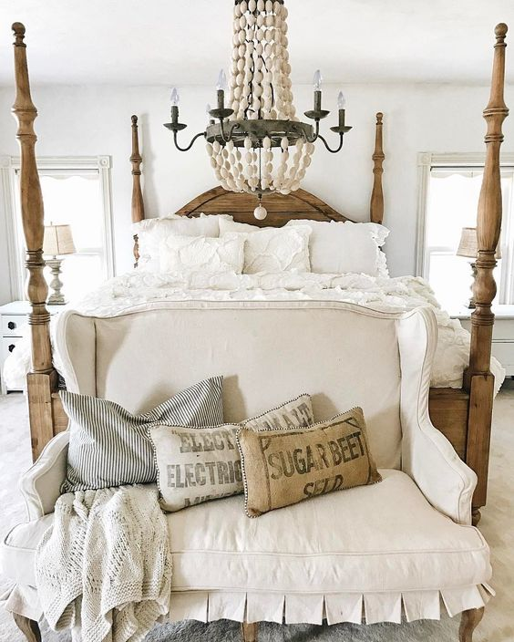 50 Sleigh Bed Inspirations For A Cozy Modern Bedroom: 50 Rustic And Cozy Farmhouse Bedroom Designs For Your Next