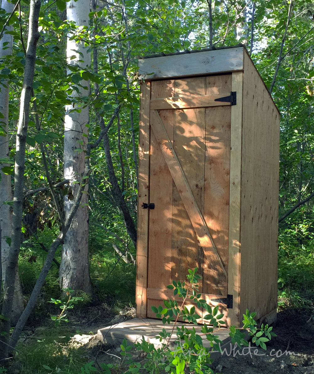Tiny Simple House Is Off The Back Burner: 19 Practical Outhouse Plans For Your Off-Grid Homestead