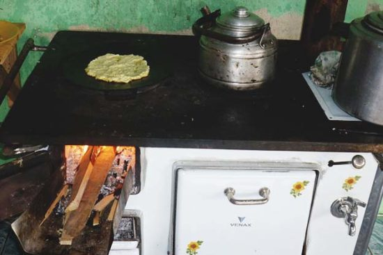 How to Cook on a Wood Stove Just Like Grandma Once Did