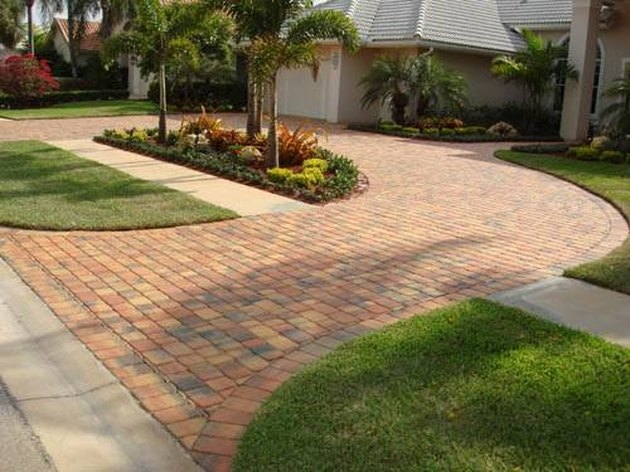 Arnold Driveway and Walkway Contractors