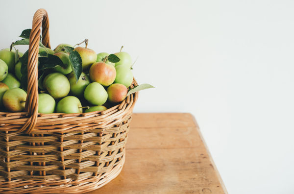 Apple fruits in a basket