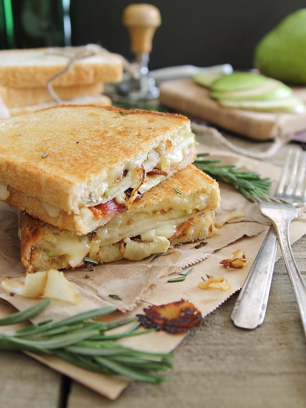Pear-Bacon-and-Brie-Grilled-Cheese-on-sourdough-bread