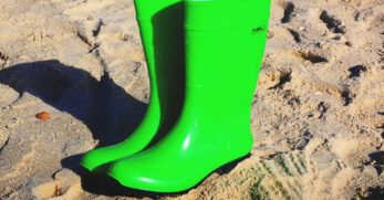10 Best Rain Boots Reviews: Durable, Snug, and Stylish Protective Footwear