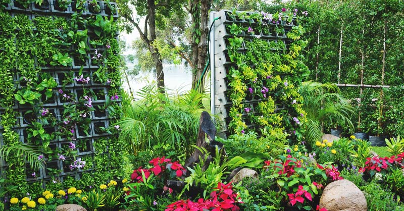 Wondrous 2 Vertical Garden Irrigation Options To Keep Your Living Short Links Chair Design For Home Short Linksinfo