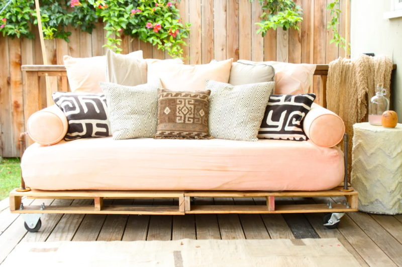 17 Unique Diy Daybed Ideas Perfect For A Multipurpose Space