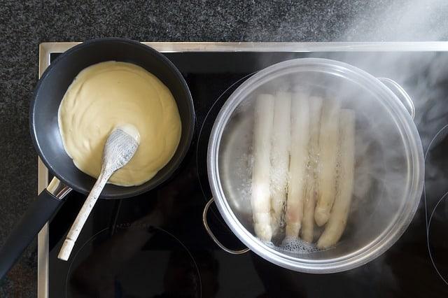 Hollandaise Sauce from leftover egg yolks